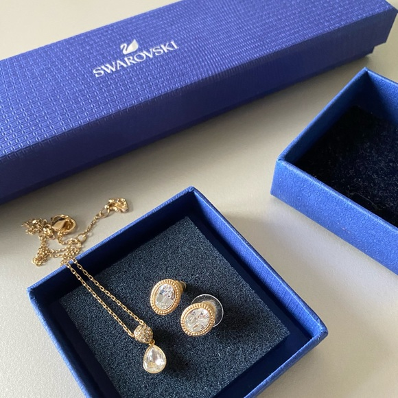 Swarovski Necklace and Earring Gold Set